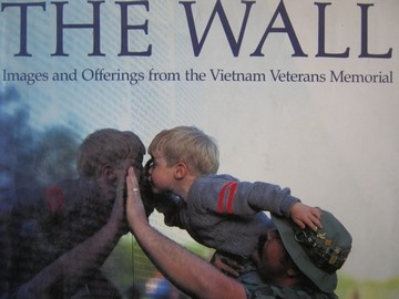 Wall Images & Offerings from the Vietnam Veterans Memorial (H)